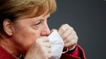 Германия затваря магазини и училища за близо месец.